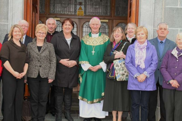 Bishop Ray got a wonderfully enthusiastic reception as he warmly greeted the people of Millstreet this past weekend.  Having concelebrated the 11.30 a.m. Mass with Canon John Fitzgerald, P.P. and Fr. Seán Tucker he met with the Parish Choir and many members of the congregation outside St. Patrick's Church, Millstreet on Sunday, 17th Nov..  Click on the images to enlarge.  (S.R.)