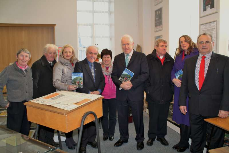 6Minister Jimmy Deenihan in Millstreet 29 Nov. 2013 -800