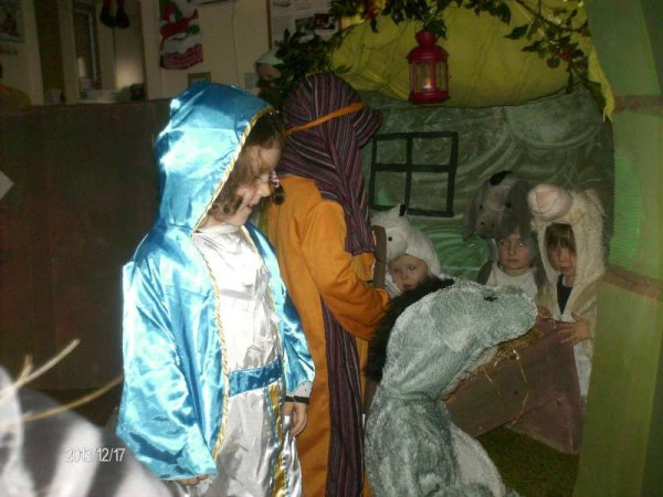 6Rathcoole Playschool Christmas Play 2013 -800