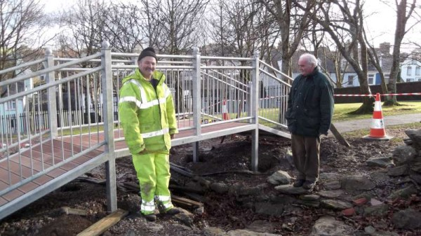 Cousins David Twomey and Patsy McAuliffe observe the superb bridge structure now nearing completion.  The steel is galavinised  to ensure a rust-free dimension.