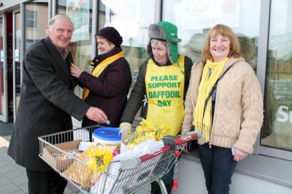 The wonderfully dedicated Daffodil Day 2014 Volunteers received a truly enthusiastic response from the public throughout Daffodil Day (28th March) as seen here outside Supervalu.   Click on the images to enlarge.  (S.R.)