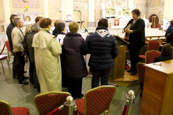 2Millstreet Community Singers at Mass on 29th March 2014 -800