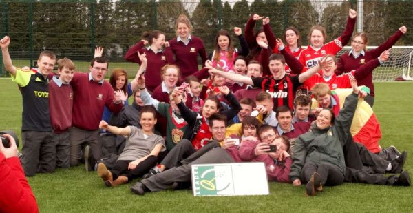 Coordinators Tríona and Louise from IRD Duhallow with videographers supreme, Noreen and Leo Fitzgerald filmed Students from Millstreet Community School at Millstreet Astro Turf Centre this morning for what promises to be a truly superb promotional IRD Duhallow film project.  Click on the images to enlarge.  (S.R.)