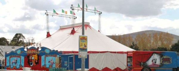 2Circus Gerbola at Station Road Millstreet 2014 -800