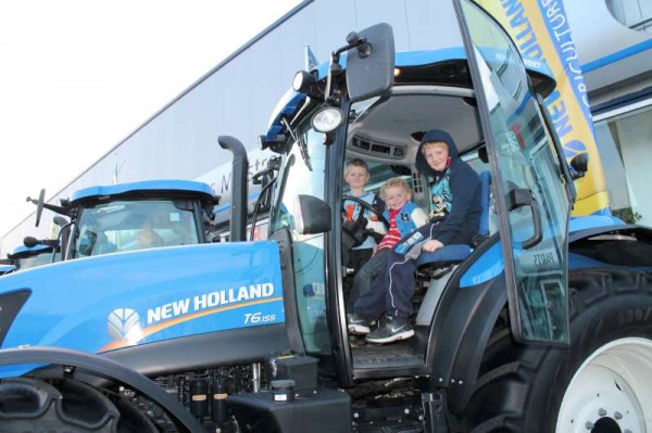37Celebrating Coleman's 60th Anniversary as Ford New Holland Dealers-800