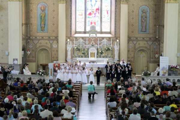 23Millstreet First Holy Communion 17th May 2014 -800