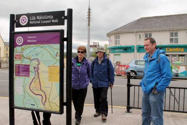 2Bealtaine Clara Loop Walk 2014 -800