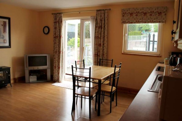 5Exquisite Town Apartment for Short-term Letting -800