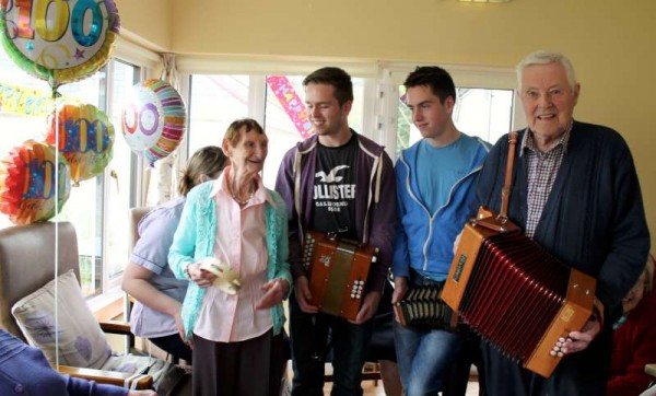 6100th Birthday of Julia Murphy -800