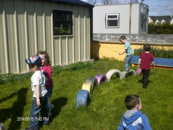 9Enjoying the Sunshine at Rathcoole Playschool 2014 -800