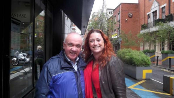 An entirely chance meeting with Niamh Kavanagh in Dublin on Eurovision Week 2014 - 21 years after Niamh won the Eurovision Song Contest in Millstreet on 15th May 1993.  Click on the images to enlarge.  (S.R.)