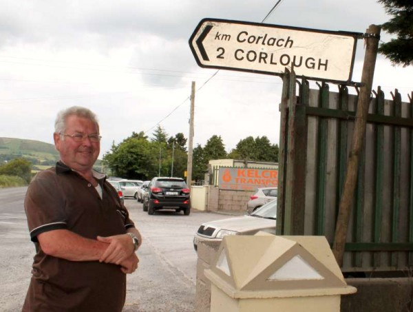 Jim Broxton of Cloghoula, Millstreet is a native of Corlough, Co. Cavan.  Many people passing Cloghoula have been wondering  where in the Millstreet area is Corlough when they see what they believe is an official road sign.  Well, it's in fact a damaged sign from Co. Cavan which Jim was so delighted to receive in that it allowed him to bring an important memento of his native Co. Cavan to his Co. Cork home.  Click on the images to enlarge.  (S.R.)