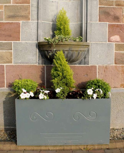 Liam Flynn has again excelled in his exquisite outdoor flower box arrangements at St. Patrick's Church, Millstreet.  Liam very kindly provides this valuable landscaping at the Church free of charge.  Click on the images to enlarge.  (S.R.)