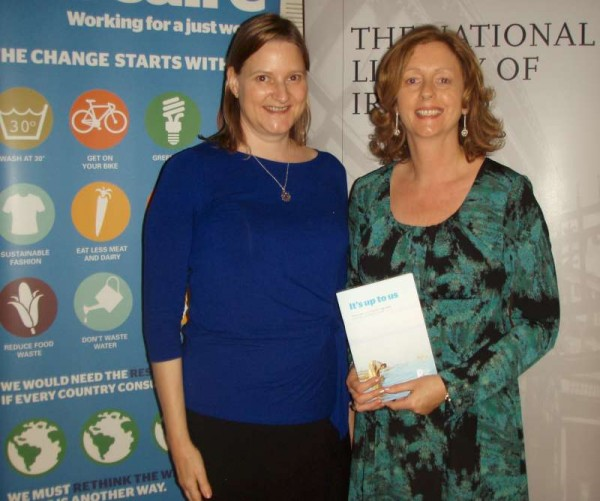 P5280036: Karen and Trish Groves, Campaigns Officer with Trócaire Ireland, at the awards ceremony in the National Library of Ireland, Dublin on Wednesday 28th May 2014.  Click on the images to enlarge.  (S.R.)