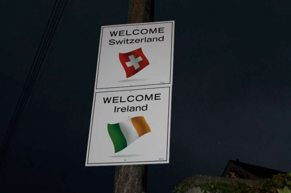 10Welcoming Signs on approach roads 2014 -800