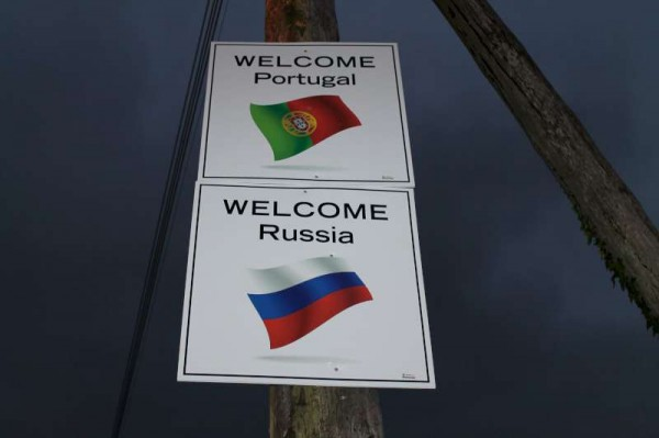 8Welcoming Signs on approach roads 2014 -800