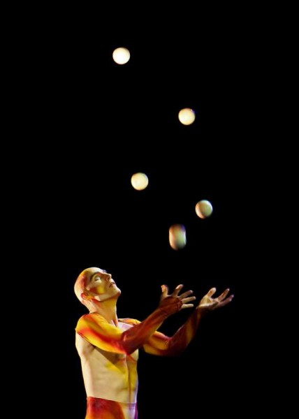 We thank Denis O'Regan, Station Road, Millstreet for this magnificent action image of world famous Ukrainian born Juggler, Viktor Kee at the Legends Show during EJC2014 on Friday, 25th July in Green Glens.   We were also fortunate to record a brief interview with Viktor who is such a true gentleman and remarkably gifted Juggler.  Click on the picture to enlarge.  (S.R.)