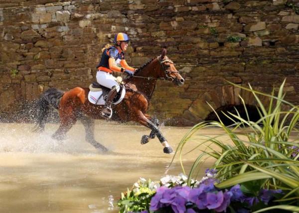 15Denis O'Regan's Superb Coverage of Juggling and Pony 2014 -800