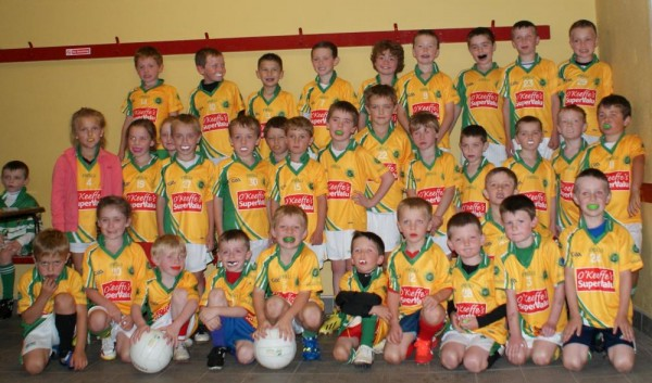 2014-08-23 Under 6, 7 & 8's in Macroom last week in their new jerseys kindly sponsored by O'Keeffe's SuperValu Millstreet-1000