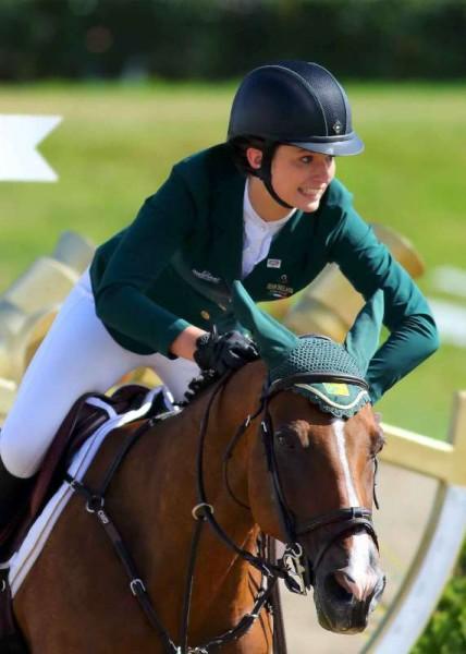25Denis O'Regan's Superb Coverage of Juggling and Pony 2014 -800