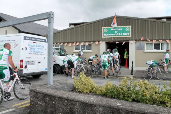 27Dave Riordan Charity Cycle Malin to Mizen 2014 -800