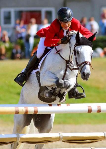 27Denis O'Regan's Superb Coverage of Juggling and Pony 2014 -800