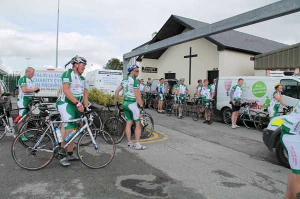 28Dave Riordan Charity Cycle Malin to Mizen 2014 -800