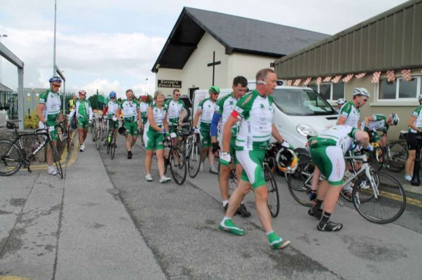 29Dave Riordan Charity Cycle Malin to Mizen 2014 -800