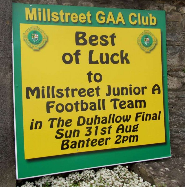 Sincere Co0ngratulations to the superb Millstreet Football Team on such a magnificent victory this afternoon in Banteer.     John Tarrant's splendid commentary for c103 reported a final score of Millstreetr 2 goals 13 point to Knocknagree at 1 goal 11 points.  Click on the images to enlarge.  (S.R.)