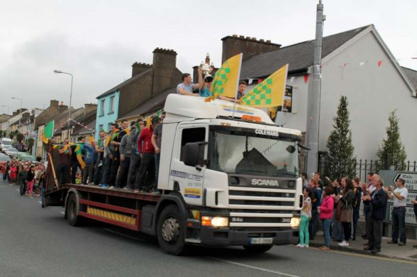 19Victory Parade for Millstreet Football Champions 2014 -800