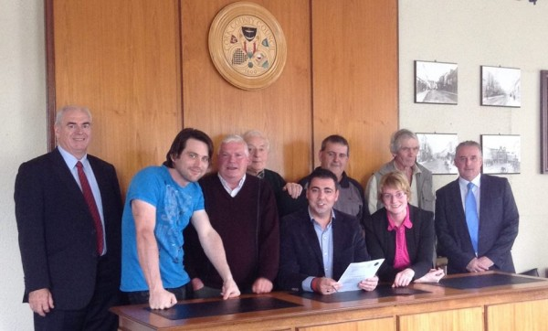 2014-09 Millstreet Men's Shed sign a long term lease for the old Fire station with Cork Co.Council