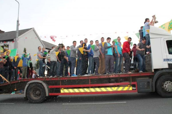 22Victory Parade for Millstreet Football Champions 2014 -800