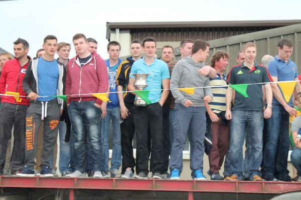 36Victory Parade for Millstreet Football Champions 2014 -800