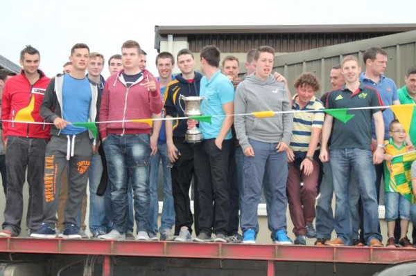 37Victory Parade for Millstreet Football Champions 2014 -800