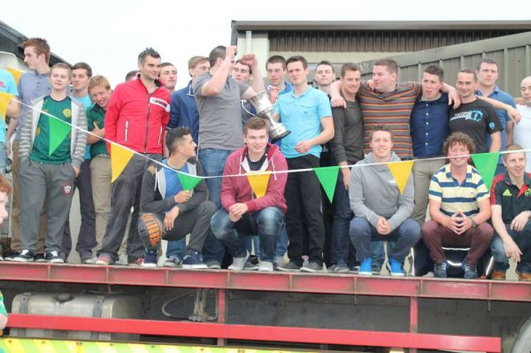 38Victory Parade for Millstreet Football Champions 2014 -800