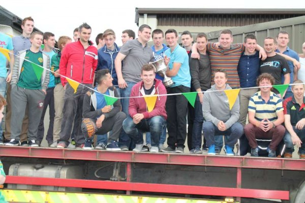 39Victory Parade for Millstreet Football Champions 2014 -800