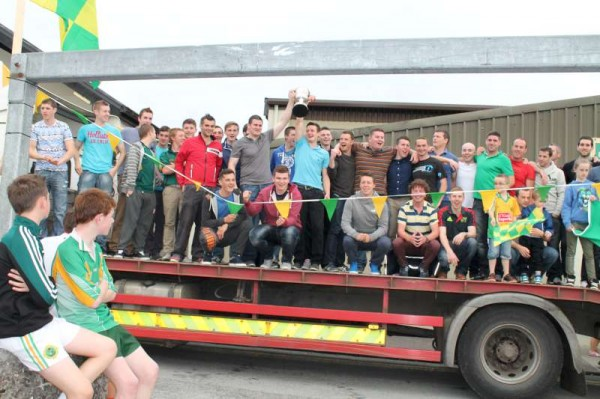 42Victory Parade for Millstreet Football Champions 2014 -800