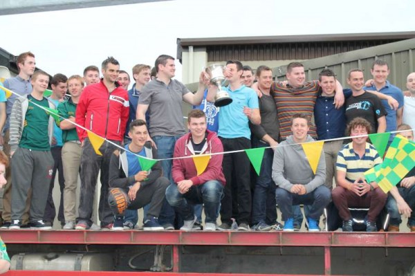 44Victory Parade for Millstreet Football Champions 2014 -800