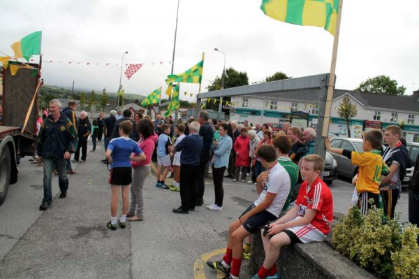 45Victory Parade for Millstreet Football Champions 2014 -800