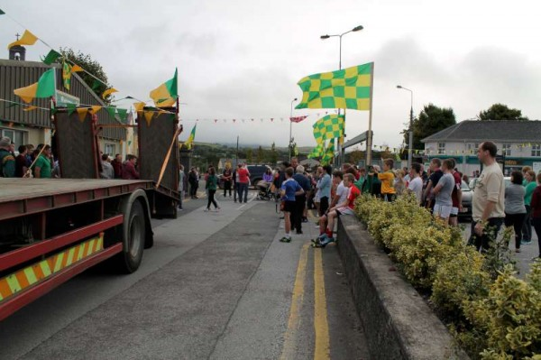 48Victory Parade for Millstreet Football Champions 2014 -800