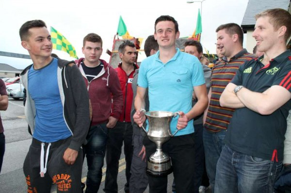 55Victory Parade for Millstreet Football Champions 2014 -800