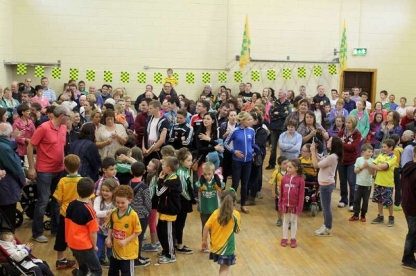 59Victory Parade for Millstreet Football Champions 2014 -800