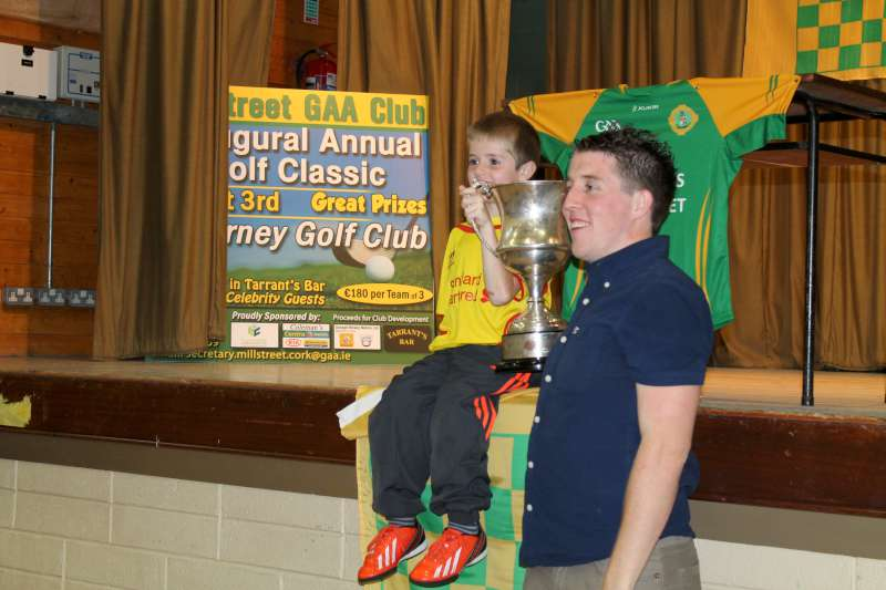 91Victory Parade for Millstreet Football Champions 2014 -800