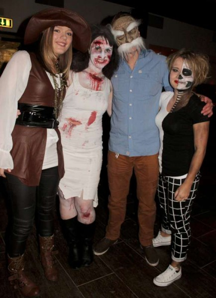 1Fancy Dress Party at Wallis Arms  25th Oct. 2014  -800