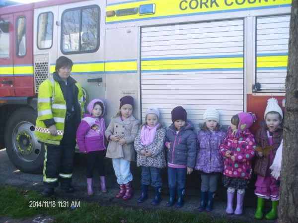 On Tuesday 18th Nov. 2014 Millstreet Fire Brigade paid an eduational visit to Rathcoole Playschool.   Paula and Michael gave the enthusiastic children a marvellous insight into the basic working of the impressive Fire Brigade unit and its essential equipment.  We thank Maura, Breeda and Majella from Rathcoole playschool for sharing the many images of the visit.   Click on the pictures to enlarge.  (S.R.)