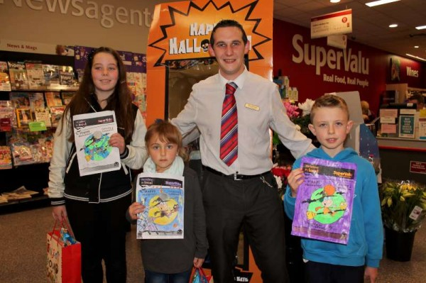 Three of the four wonderfully artistic winners in the recent O'Keeffe's Supervalu Art Competition pictured with Assistant manager, David Brosnan having received their greatrly appreciated prizes.  Click on the images to enlarge.  (S.R.)