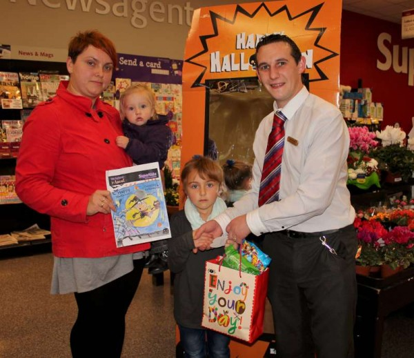 3Halloween 2014 Art Competition at O'Keeffe's Supervalu -800