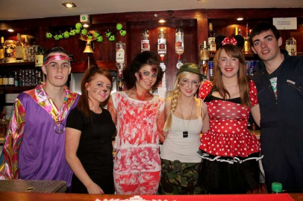 8Fancy Dress Party at Wallis Arms  25th Oct. 2014  -800