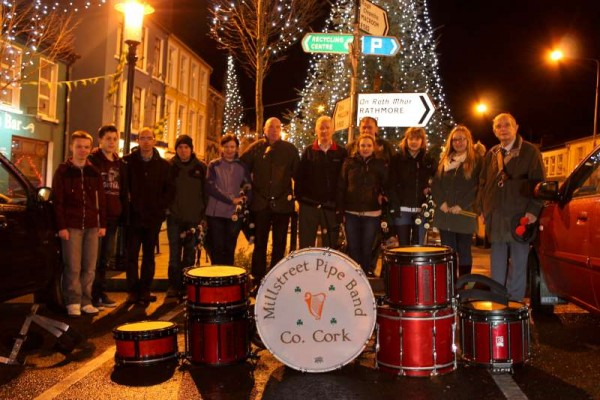 9Millstreet Pipe Band welcomes 2015 -800