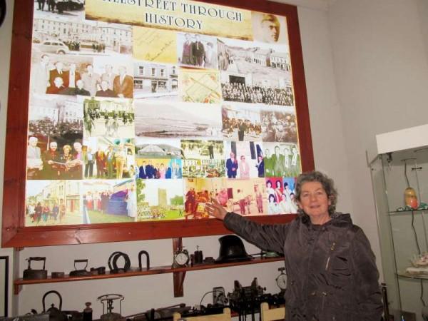 15Mary O'Mahony visits Millstreet Museum 29 Jan. 2015 -800